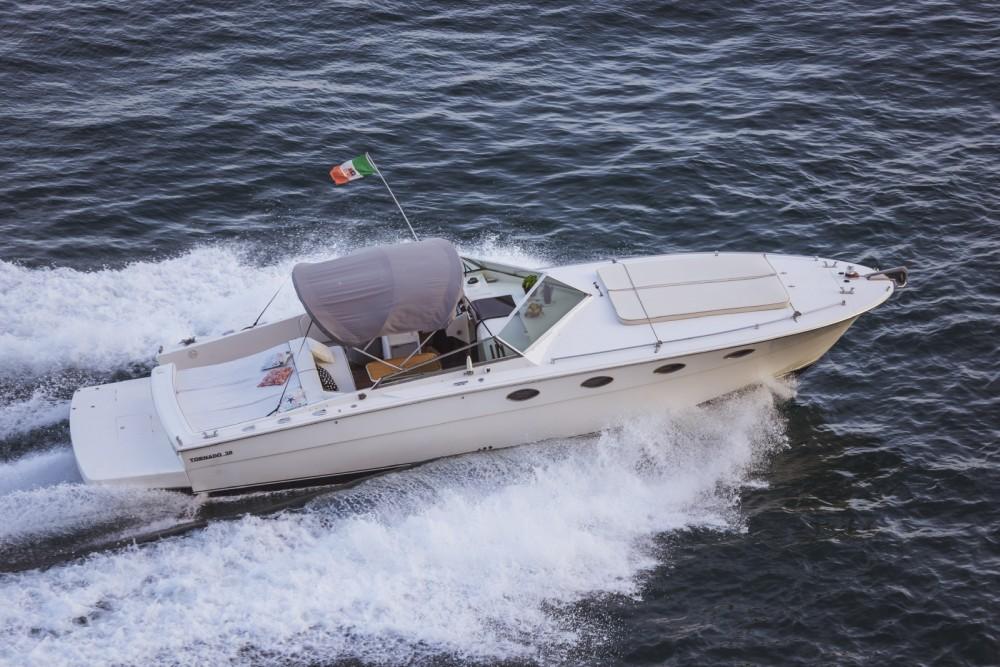Boat rental Tornado Tornado 38 Flush Deck in Maiori on Samboat