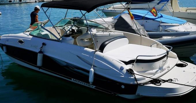 Rental yacht Ibiza Island - Monterey 263 Explorer on SamBoat