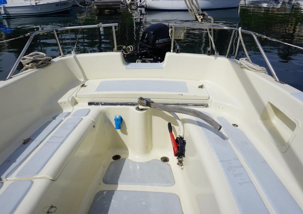 Boat rental cobramold leisure 22 in Saint-Laurent-du-Var on Samboat