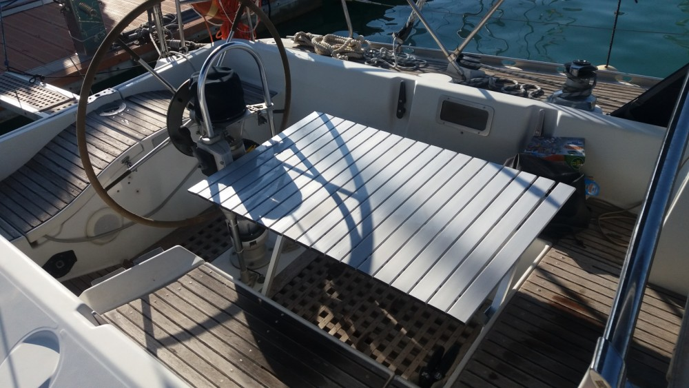 Sailboat for rent Cecina at the best price