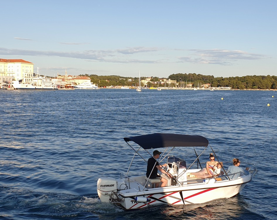 Rental Motorboat Polyform with a permit