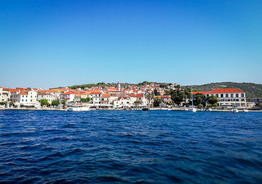 Rental Motorboat in Rovinj - Trawler Trawler