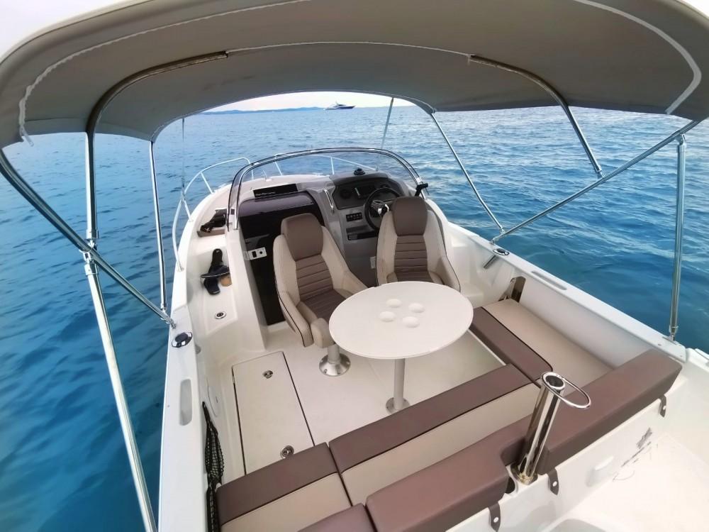 Rental yacht Grad Zadar - Jeanneau Cap Camarat 6.5 WA on SamBoat