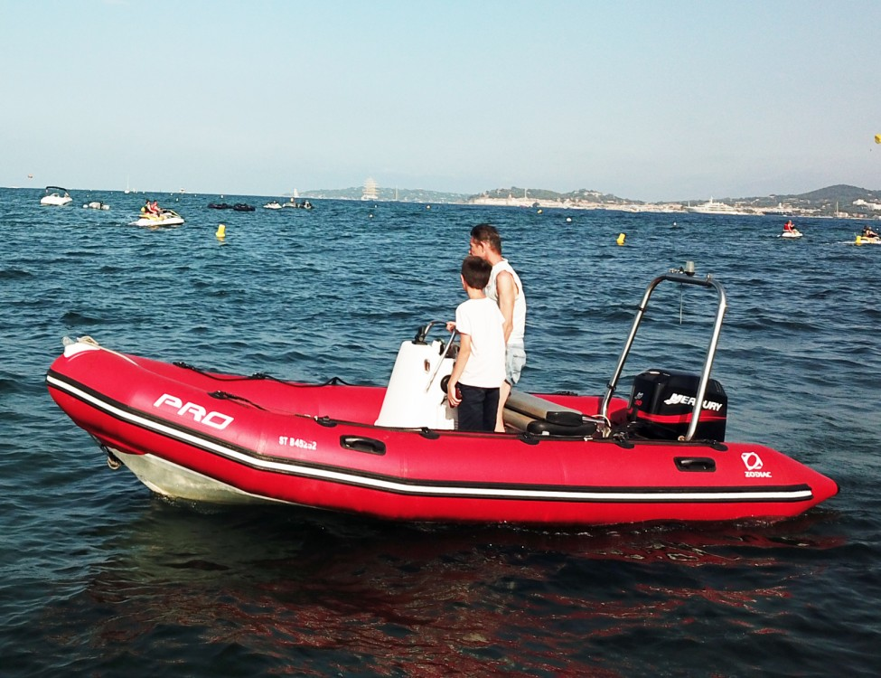 Rental yacht Grimaud - Zodiac Pro 500 on SamBoat