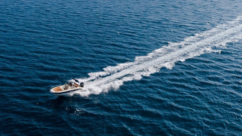 Rental Motorboat in Trogir - Mingolla Brava 22