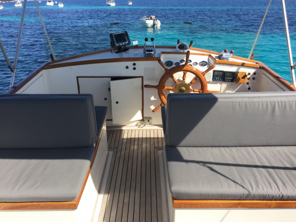 Hire Motorboat with or without skipper Grand Banks Cannes