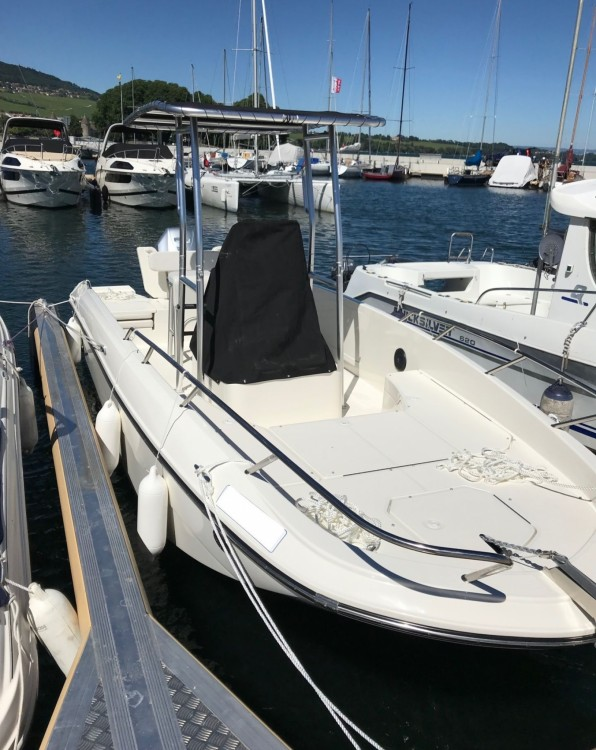 Rental yacht Rolle - Bayliner CC7 on SamBoat