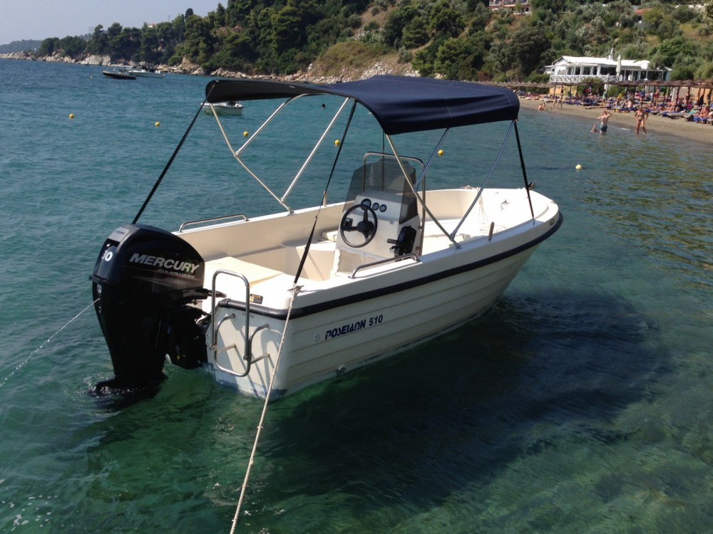 Motorboat for rent Thessaly and Central Greece at the best price
