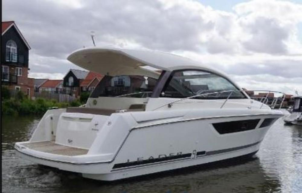 Rental yacht Castelló d'Empúries - Jeanneau Leader 9 on SamBoat