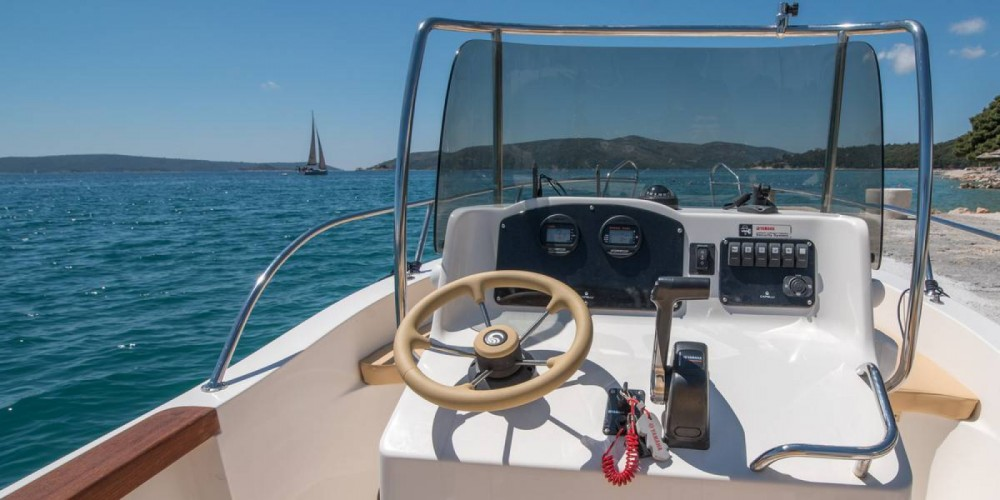 Hire Motorboat with or without skipper Capelli Trogir