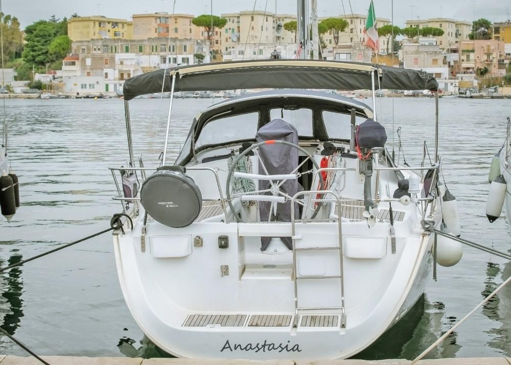 Boat rental Bénéteau Oceanis 423 Clipper in Santa Maria di Leuca on Samboat