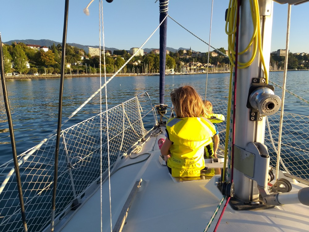 Sailboat for rent Thonon-les-Bains at the best price