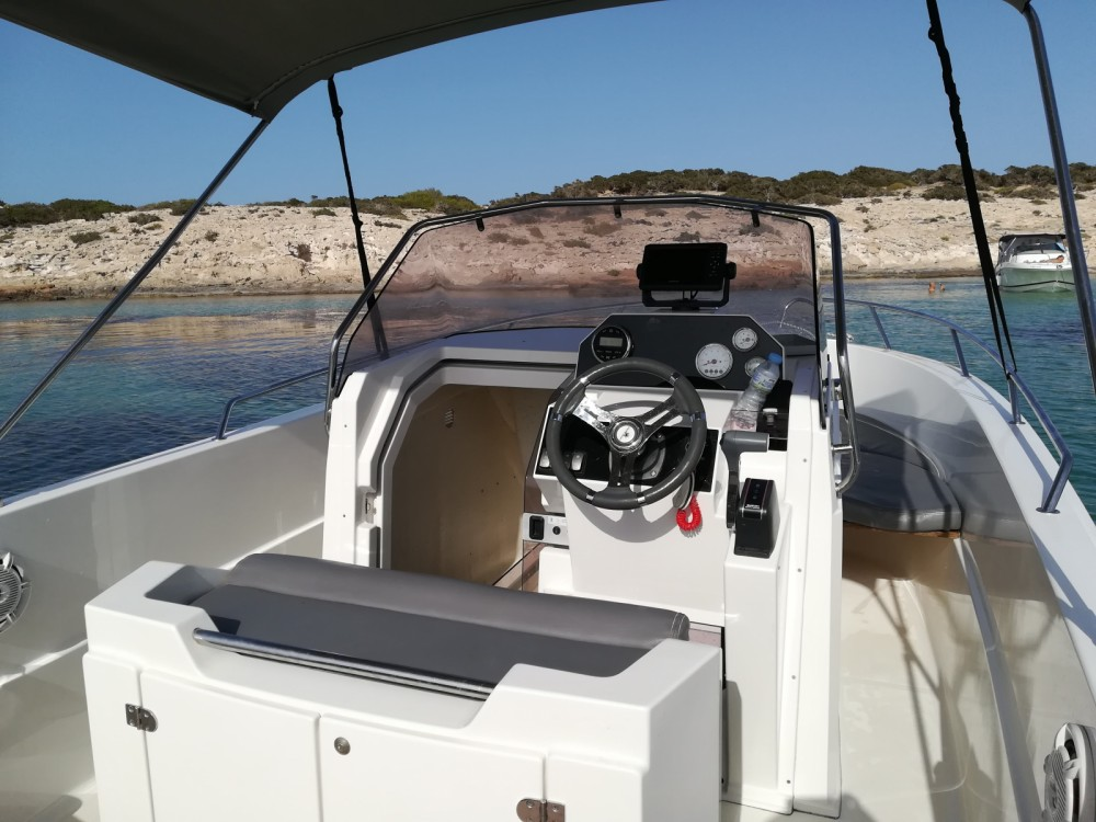 Boat rental Pacific Craft Pacific Craft 670 Open in Marina Botafoch on Samboat