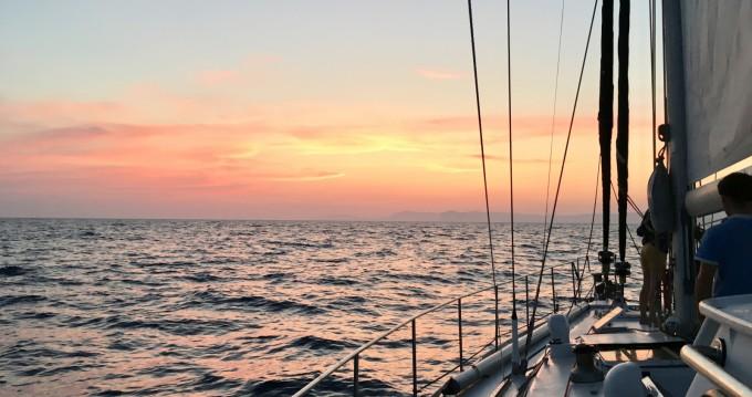 Via Marine VIA 52 between personal and professional La Ciotat