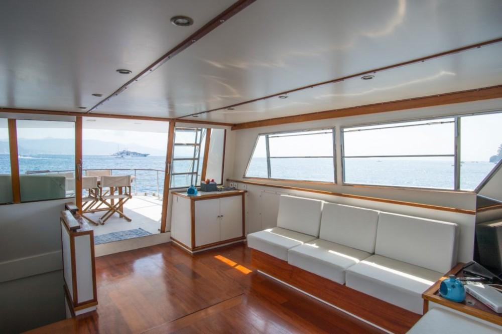 Hire Yacht with or without skipper Cantieri navali di Chiavari Genoa