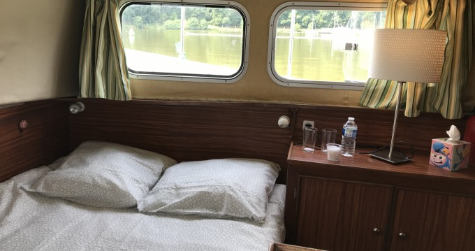 Hire Canal boat with or without skipper Locaboat La Vicomté-sur-Rance