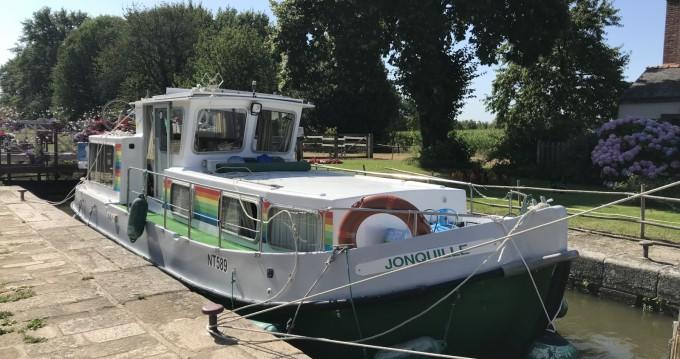 Boat rental La Vicomté-sur-Rance cheap Penichette 930