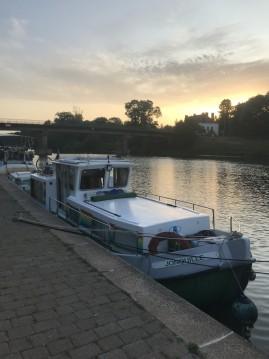 Rental Canal boat in La Vicomté-sur-Rance - Locaboat Penichette 930