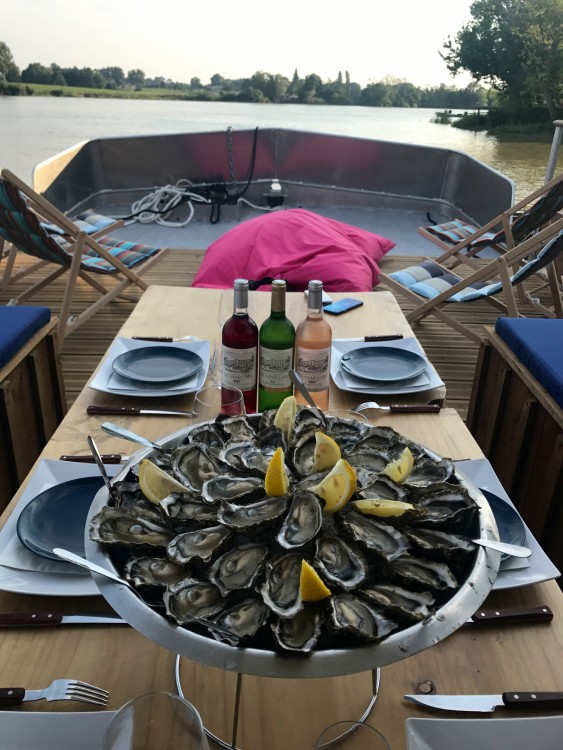 Boat rental CAI Patte d'Ours in Bordeaux on Samboat