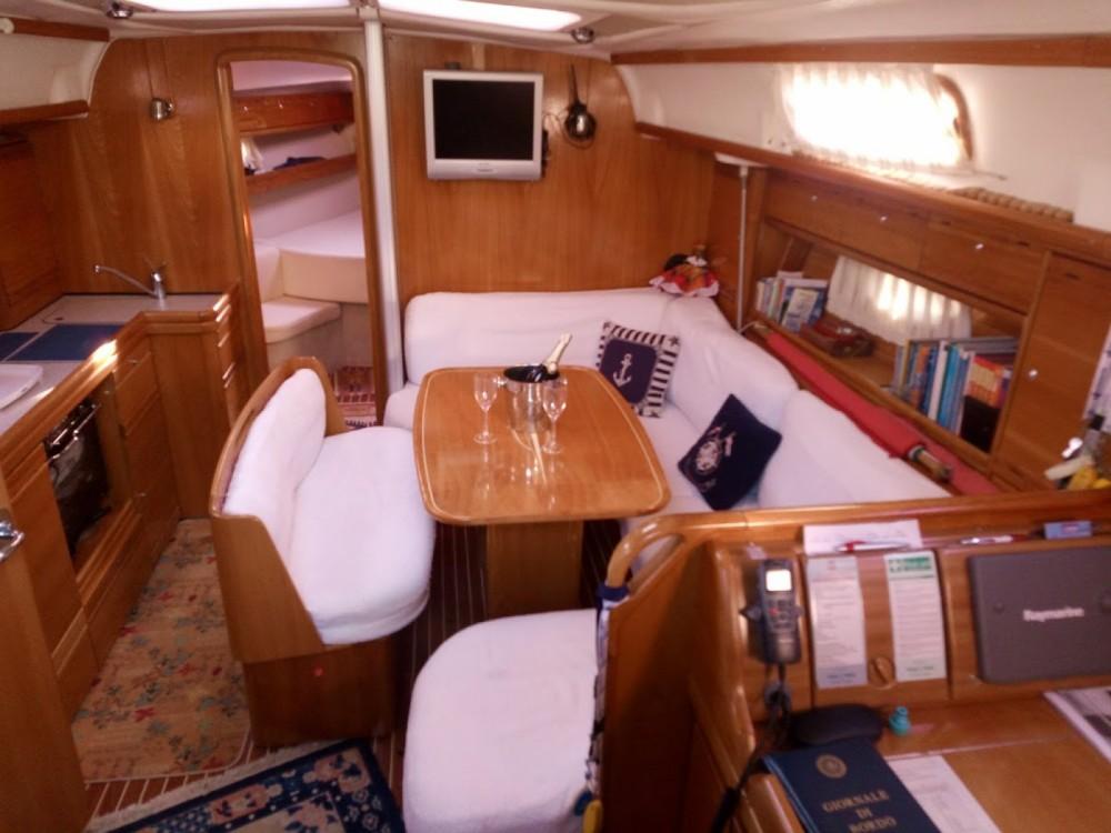 Rental Sailboat in Genoa - Bavaria Bavaria 39 Cruiser
