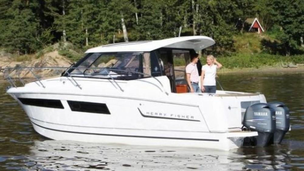 Rental Motorboat in La Trinité-sur-Mer - Jeanneau Merry Fisher 855