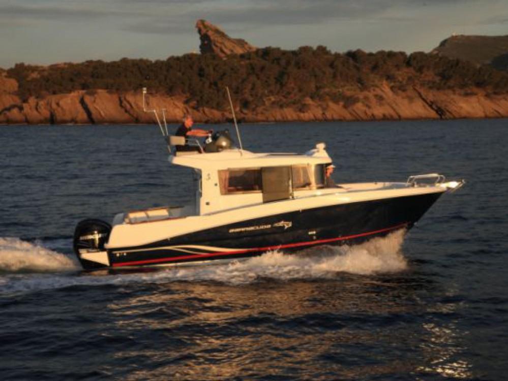 Boat rental Bénéteau Barracuda 9 in La Trinité-sur-Mer on Samboat