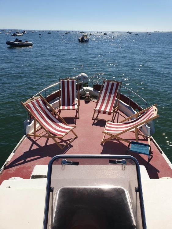 Boat rental Lacaze 8,6m in Lège-Cap-Ferret on Samboat