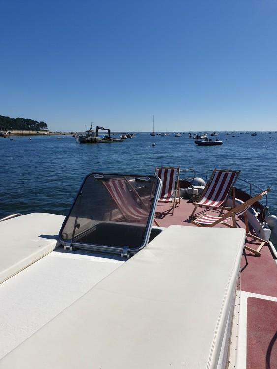 Rental yacht Lège-Cap-Ferret - Lacaze 8,6m on SamBoat