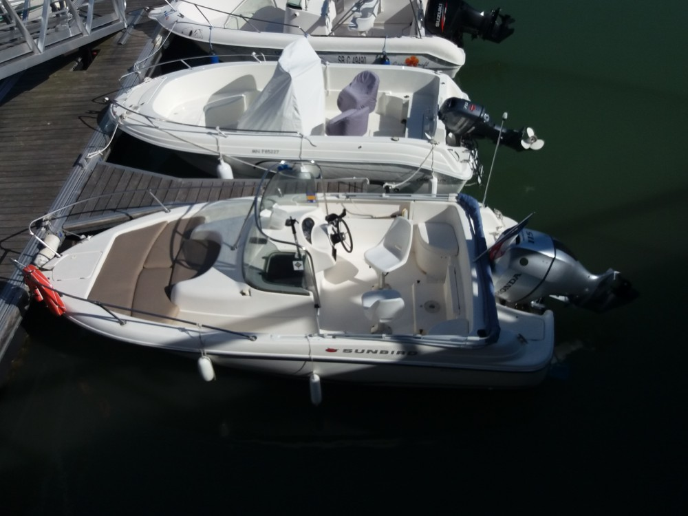 Hire Motor boat with or without skipper Omc Royan