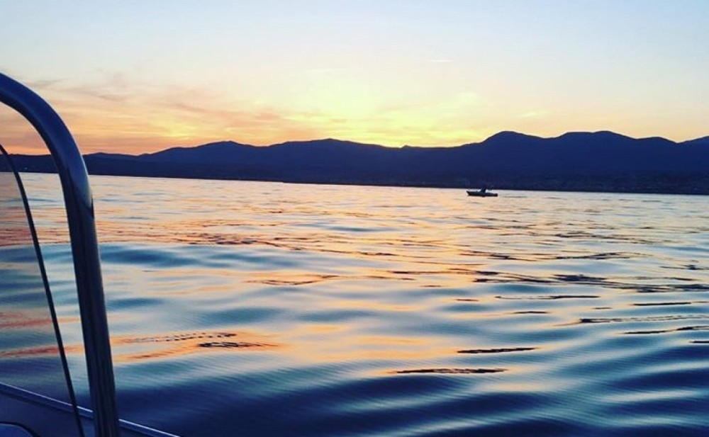 Hire Motorboat with or without skipper Pacific Craft Saint-Laurent-du-Var