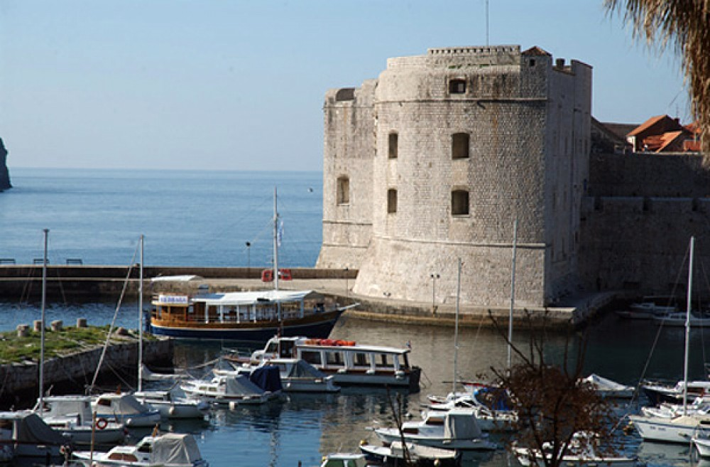 Hire Canal boat with or without skipper Uniq Dubrovnik