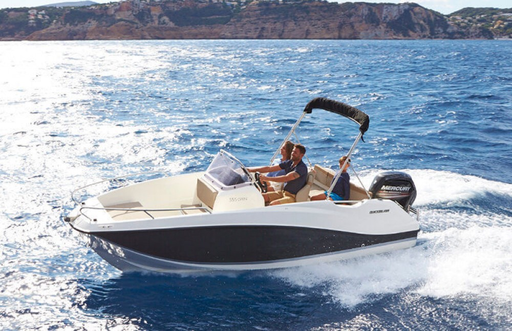 Boat rental Dubrovnik cheap Activ 555 Open