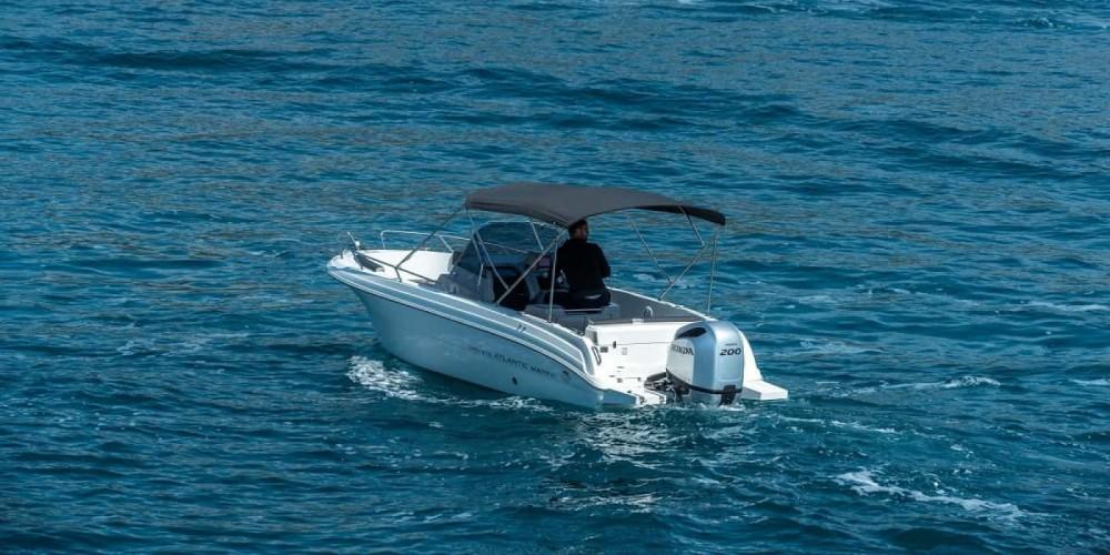 Boat rental Atlantic open 670 in Trogir on Samboat