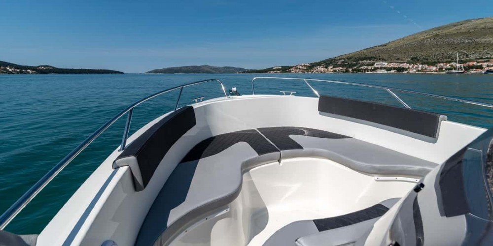 Rent a Atlantic open 670 Trogir