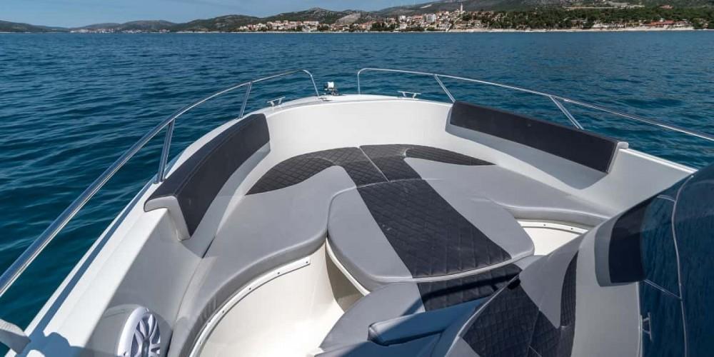 Boat rental Trogir cheap open 670