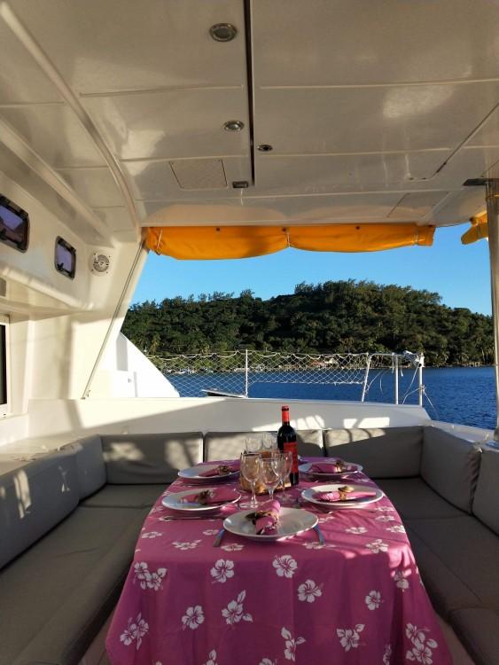 Boat rental Uturoa cheap Lagoon 440