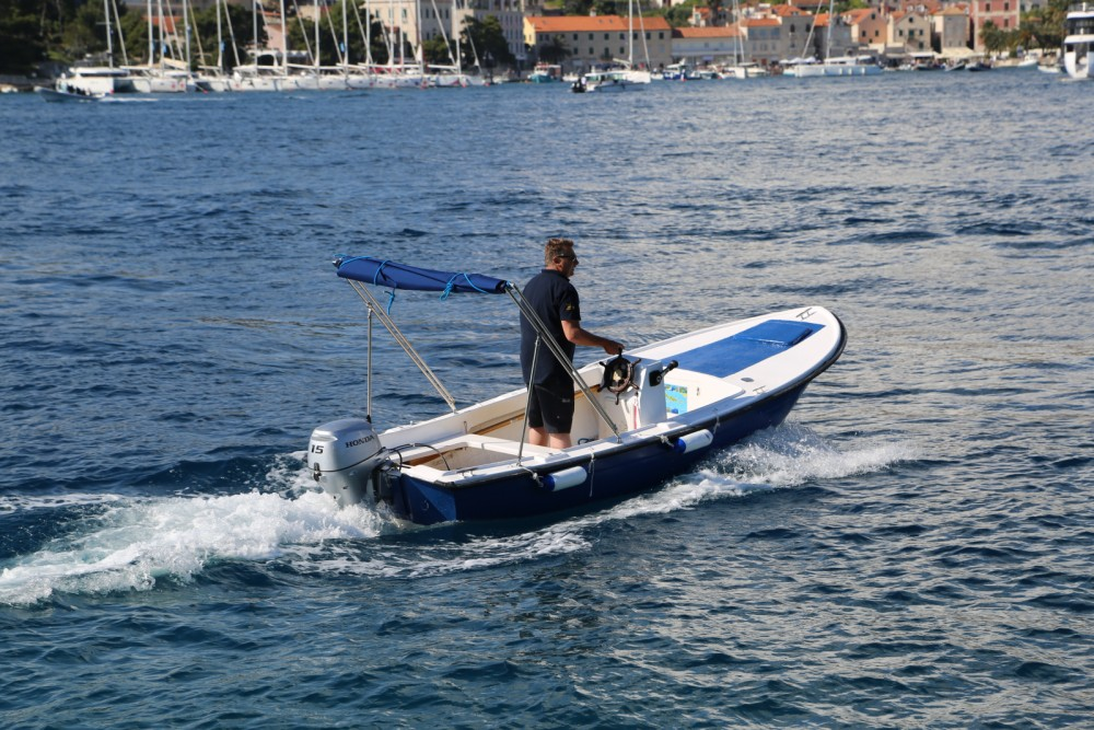 Pasara Val between personal and professional Hvar