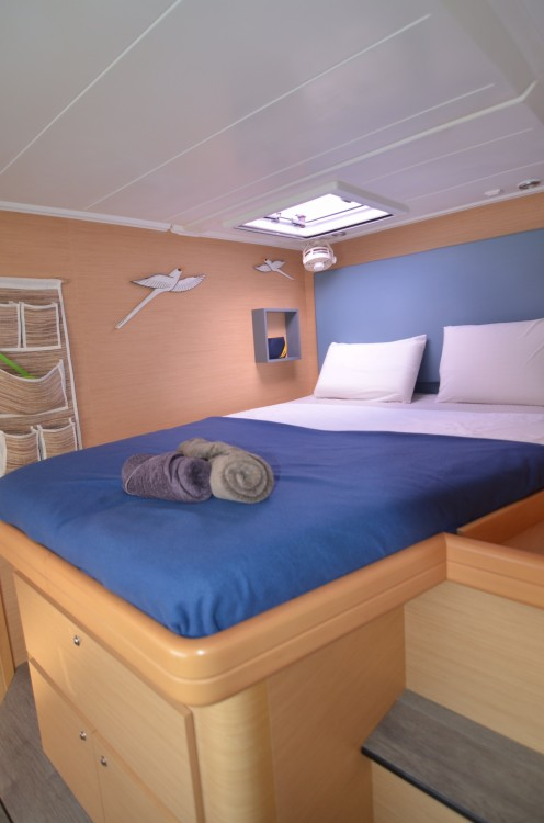 Boat rental Port Grimaud cheap Lagoon 420