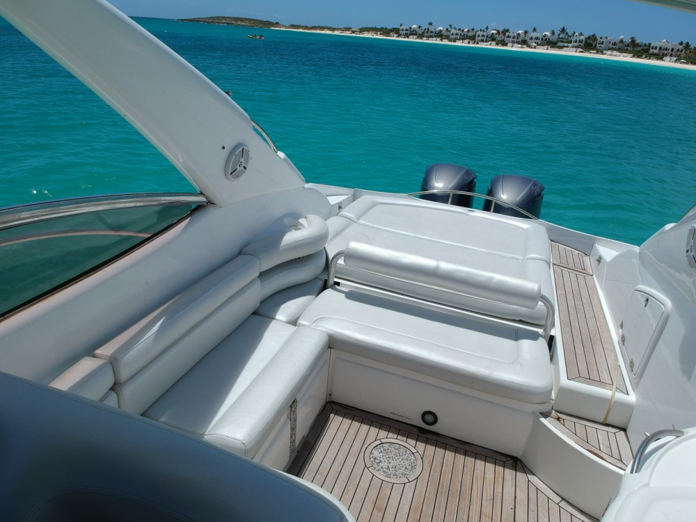 Rent a Sunseeker Superhawk 40 Simpson Bay