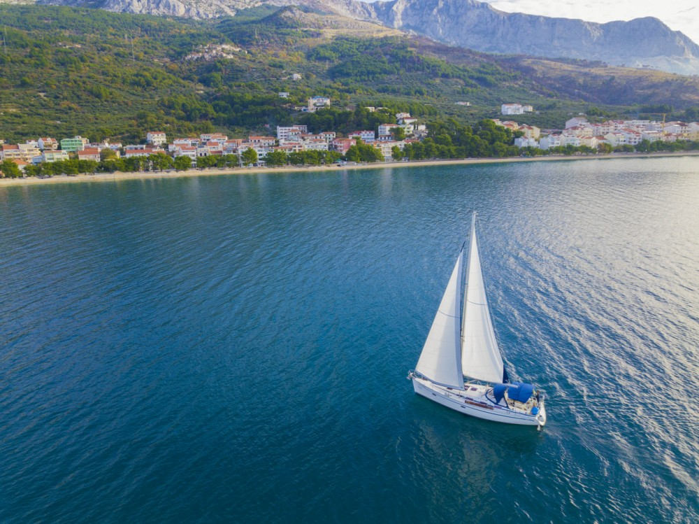 Sailboat for rent Tučepi at the best price