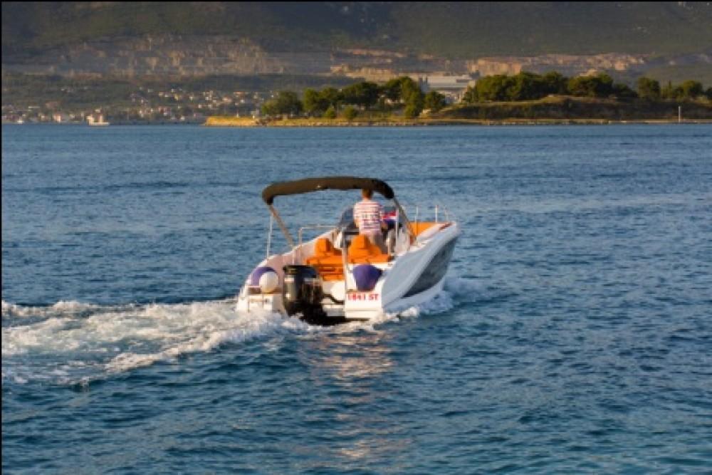 Boat rental Barracuda 545 in Split on Samboat