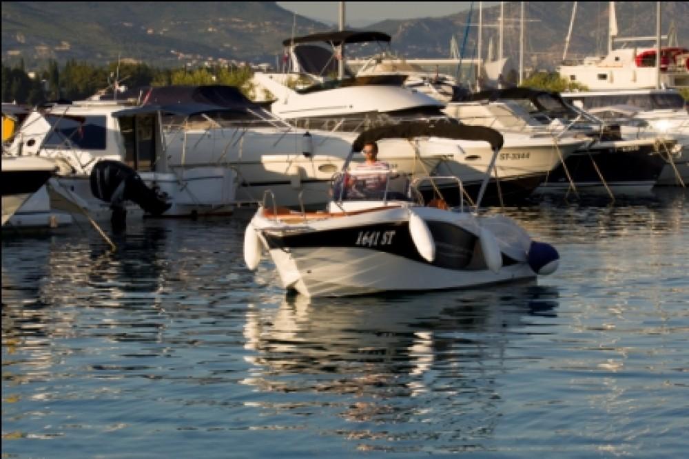 Rent a Barracuda 545 Split