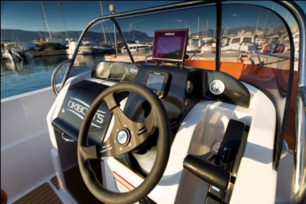 Rental Motorboat Barracuda with a permit