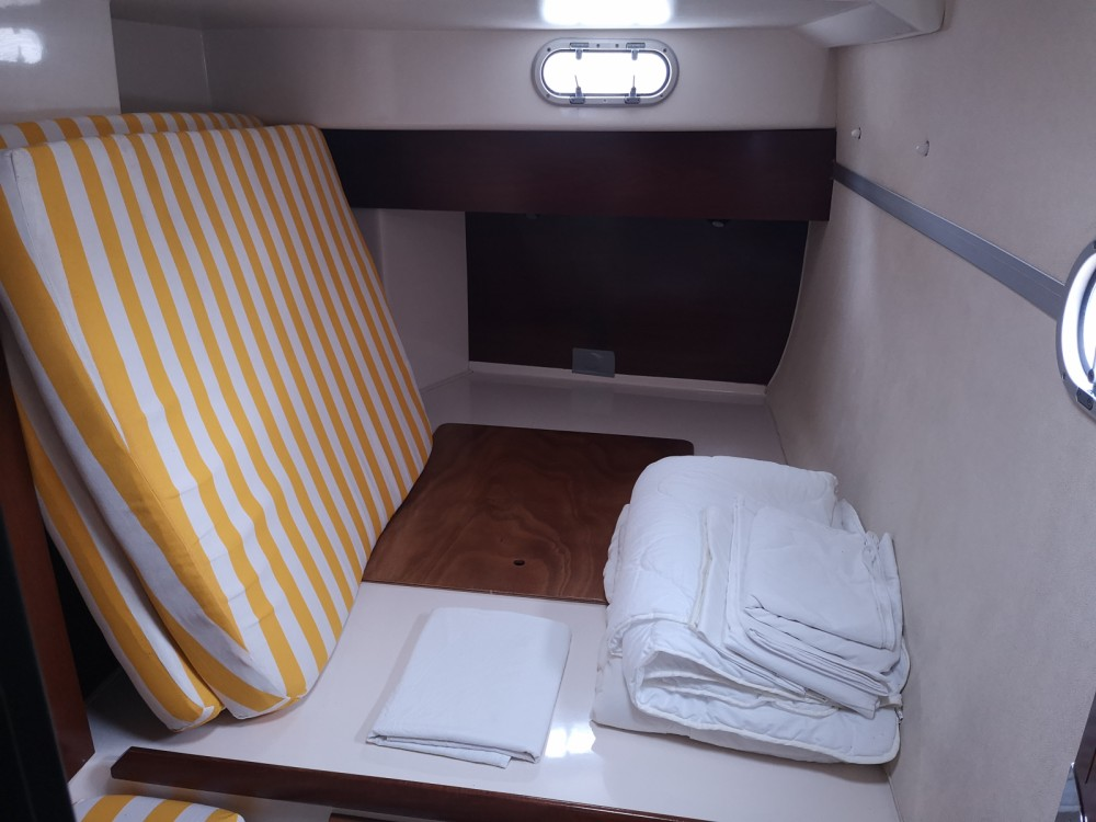 Rental yacht Cagliari - Fountaine Pajot Lavezzi 40 on SamBoat
