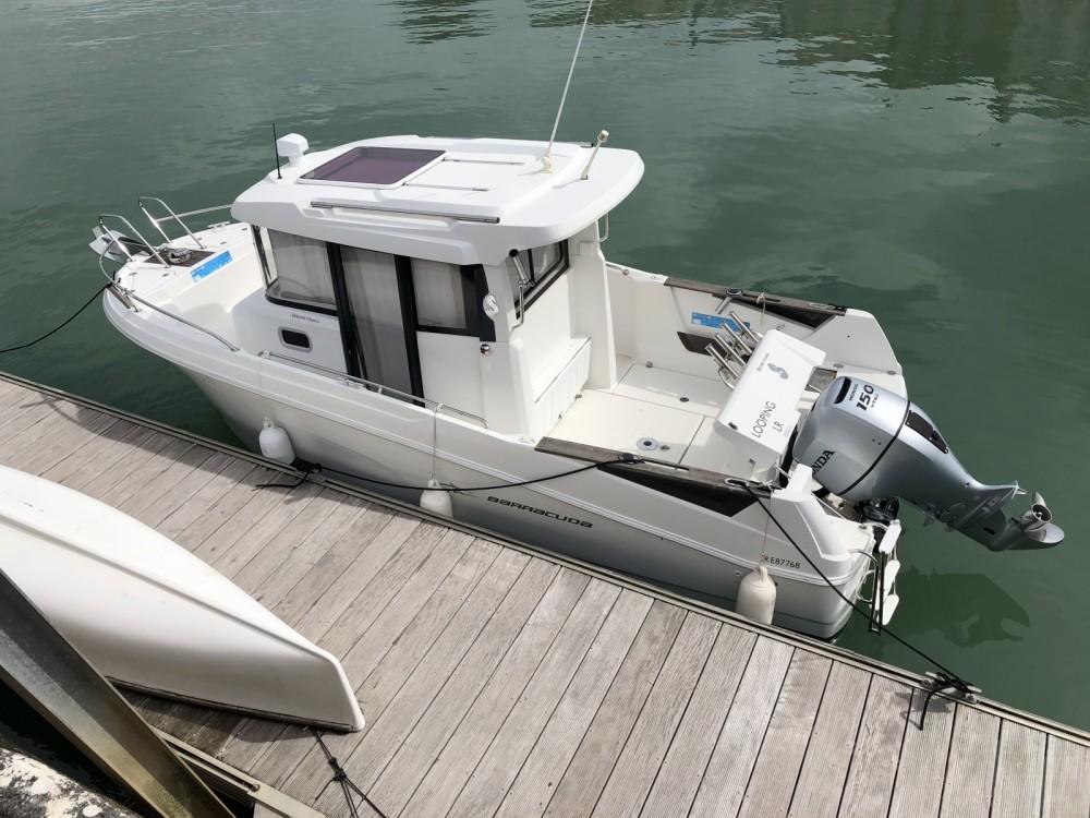 Rental yacht Saint-Martin-de-Ré - Bénéteau Barracuda 7 on SamBoat