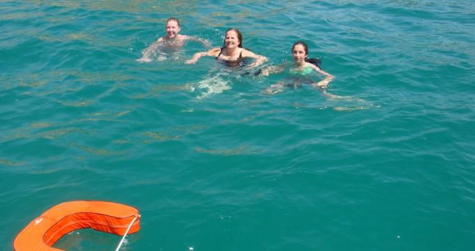 Rental Sailboat in Castelldefels - Bénéteau Oceanis 400