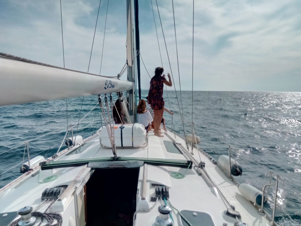 Bénéteau Oceanis 400 between personal and professional Castelldefels