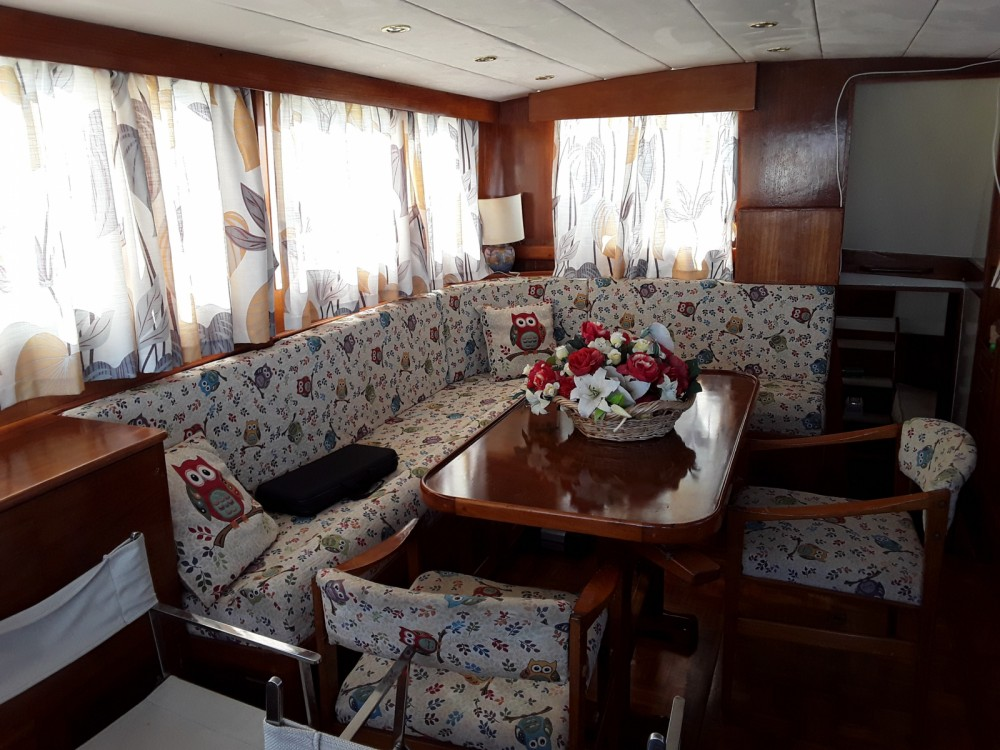 Motorboat for rent Lido at the best price