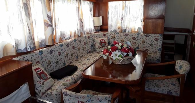 Boat rental Lido cheap Grand Banks 43