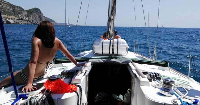 Boat rental Bénéteau Oceanis 400 in Castelldefels on Samboat